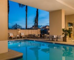 Hilton Santa Clara Pool